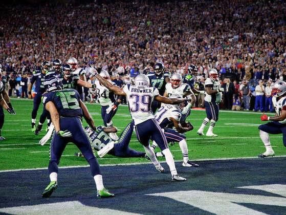 Which player has scored the most career points in Super Bowl history?