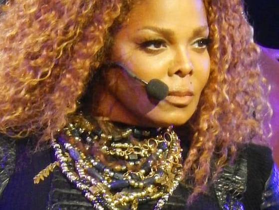 Who revealed Janet Jackson's boob in the famous Nipplegate halftime blunder?