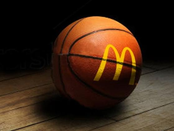 "Which two NBA Superstars battled in the famous 1993 McDonald's ""Showdown"" commercial?"
