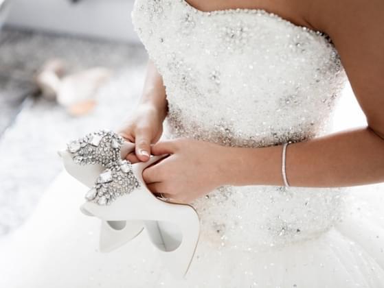 Choose a wedding dress color: