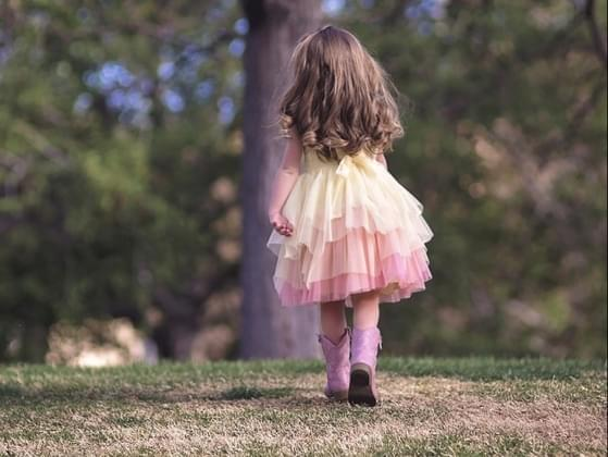You're at the park when you notice a child who seems pretty lost. What do you do in this situation?