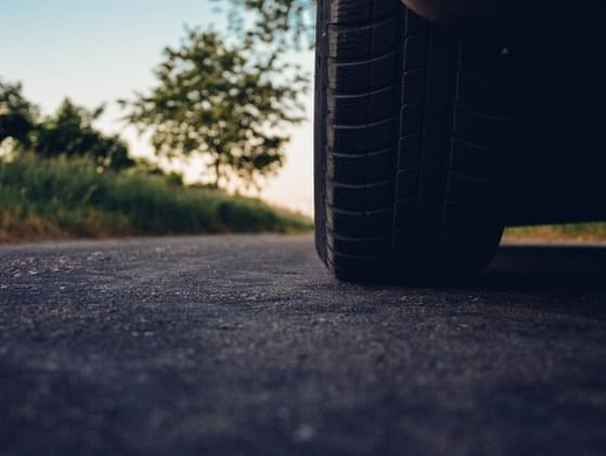 Do you know how to change a tire?