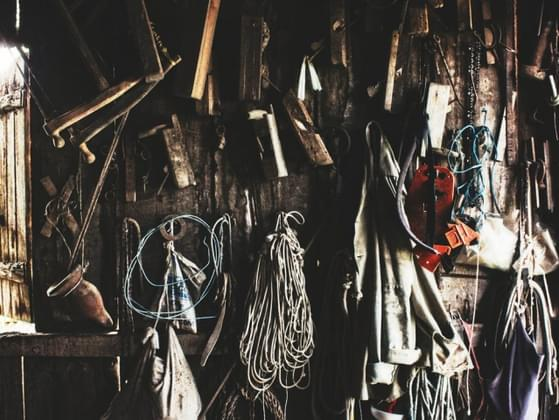Do you find it hard to be comfortable in cluttered environments?