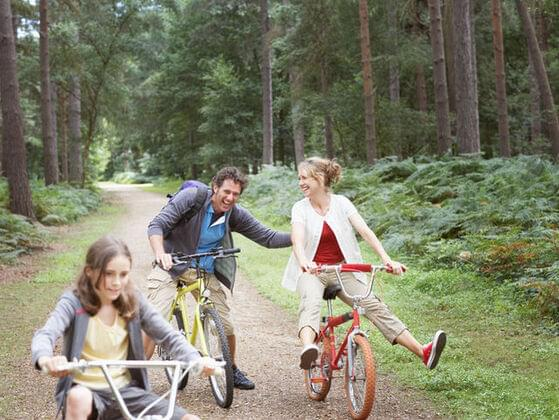 Where do you go with your family to have fun?