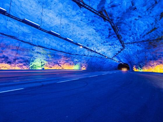 Where is the longest highway tunnel of the world situated?