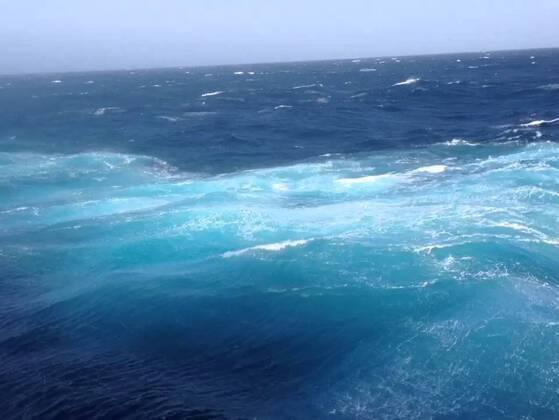 This ocean covers more than 30% of the earth's surface.