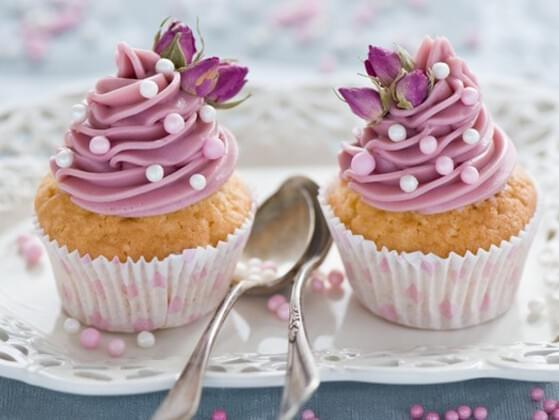 You decide to make cupcakes for your best friend who is at home sick. What kind of cupcakes do you make?