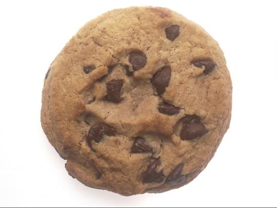 How many calories are in a chocolate chip cookie?