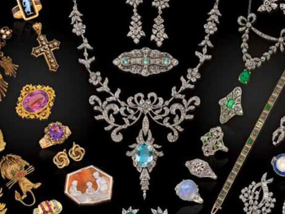 What jewelry do you usually wear?