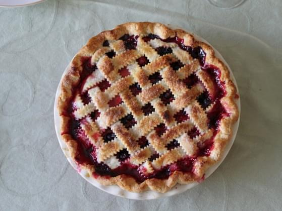 In a pie-eating contest, Alice was neither first nor last, but she beat Evan. Ben beat Alice. Carol beat Dan who beat Ben. Who was last?