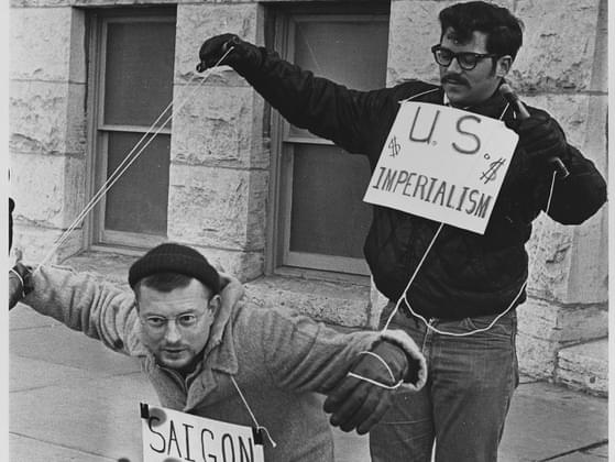 Which war divided the nation into supporters and non-supporters during the counterculture?