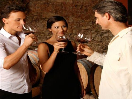 A wine taster requests a full-bodied red wine. What do you recommend?