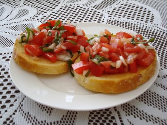 What type of appetizer do you prefer before dinner?
