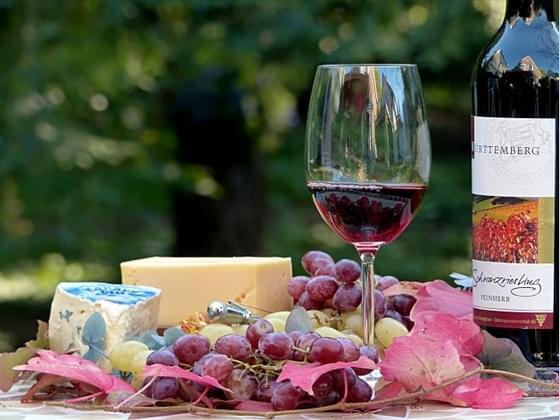 Do you prefer red wine or white wine?