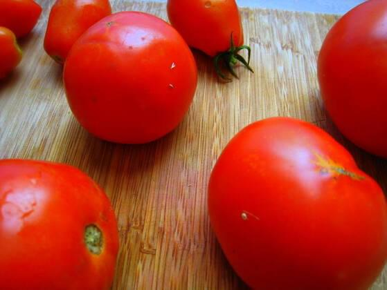 Raw tomatoes or cooked tomatoes?