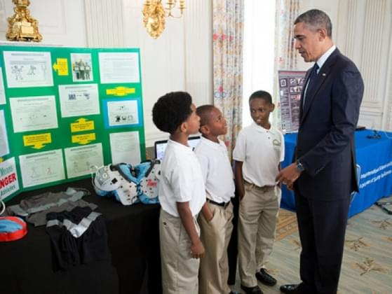 Imagine you're back in elementary/primary school. It's science fair time! Would you rather do your project alone or in a group?