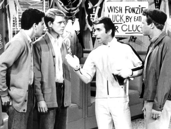 In 'Happy Days,' who are Richie's two best friends?