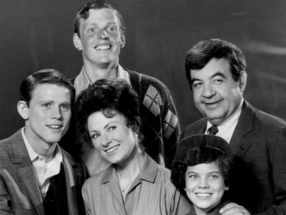 What are Richie Cunningham's parents' names in 'Happy Days?'