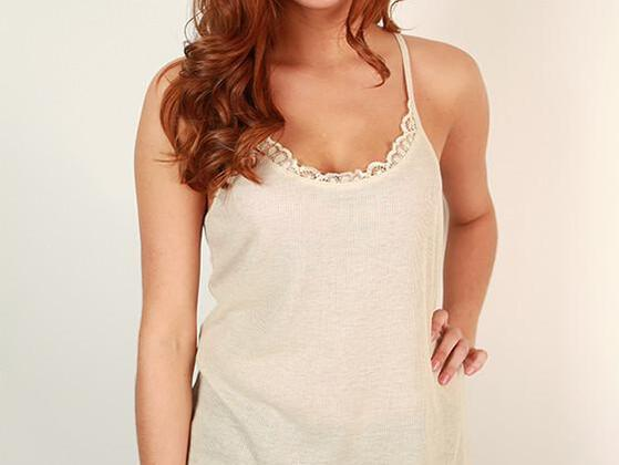 A  lovely lace tank is all that you need to dress up in minutes. Do you have it in your wardrobe?