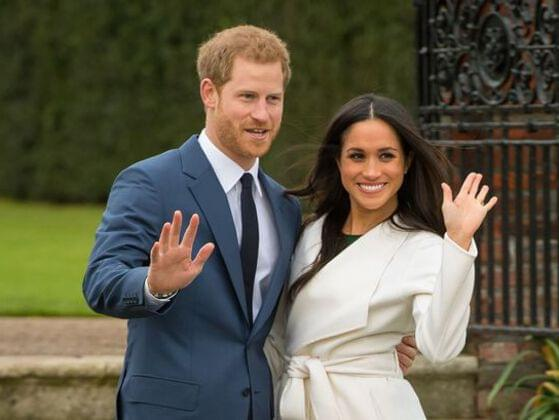 When did she start dating Prince Harry?