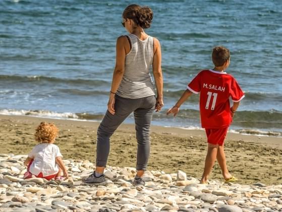 Do you believe women are naturally better at raising kids than men?
