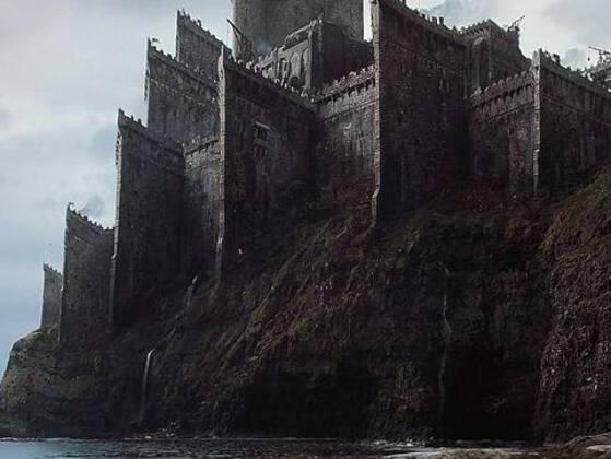 Who created the secret tunnel in the sewers under Casterly Rock?