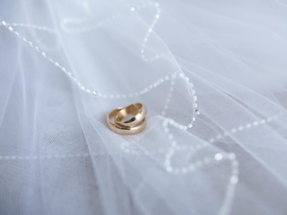 Is it legal for a man to marry his widow's sister?