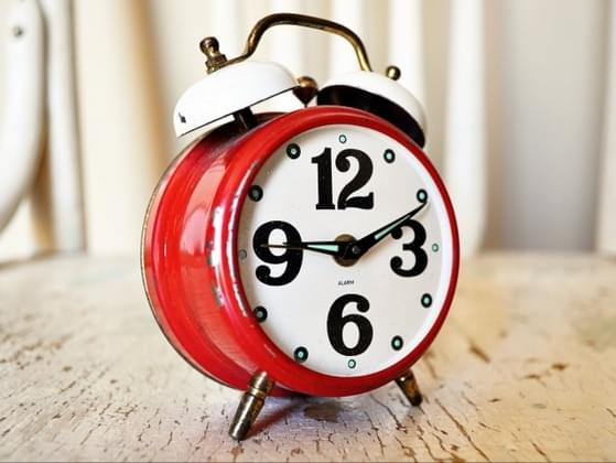 How long do you wake up before work?