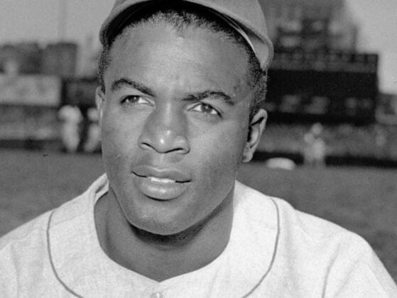 Jackie debuted in 1945 with what Negro League team?