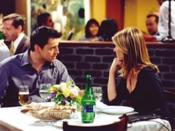 What Color Were The Flowers That Joey Brought For Rachel On Their Date?