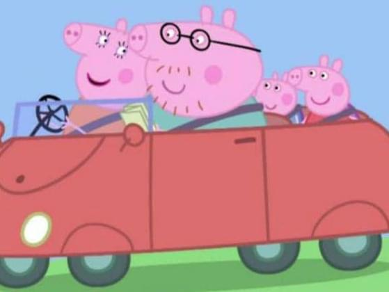 What is the color of Daddy Pig's car?