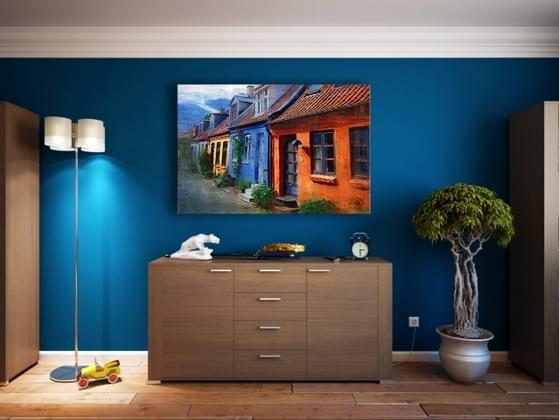 Should every room in the house be painted a similar color?