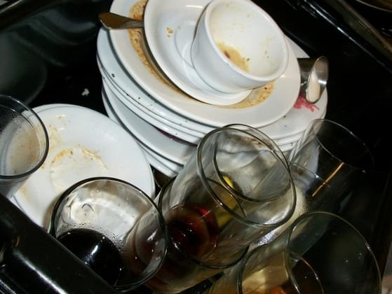 You made a big delicious dinner. Now it's time to think about dishes. How long until you clean them?