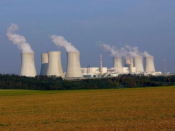 Do you believe that the US should build more nuclear power plants?