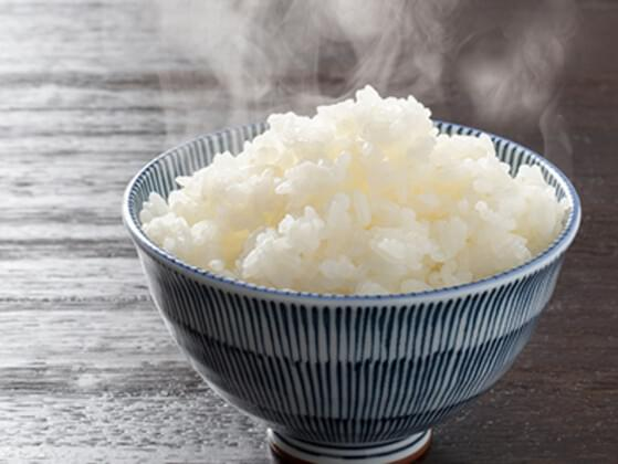 Let's start with a base. How about some steaming white rice?