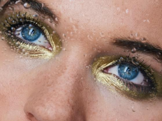 Would you rather someone call your makeup unique or on trend?
