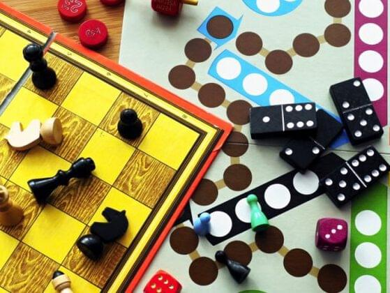 Now let's play a board game! Pick your favorite game to play.