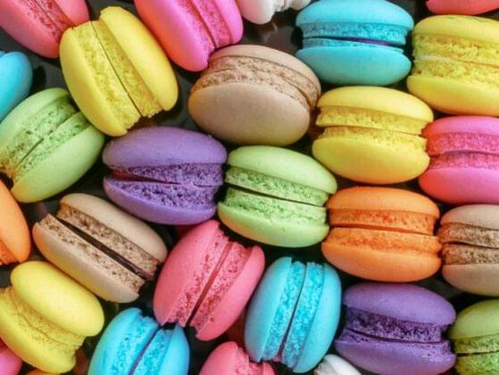 True or false: Macaroon and macaron are two different spellings of the same dessert.