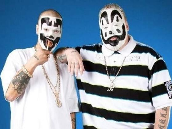 Who is the better musical clown?