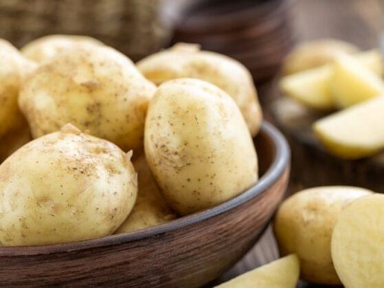 Look, there's some potatoes! You should probably cook them. How do you want to do it?